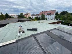 Flachdachsanierung mit anschließender Solar-Poolheizung