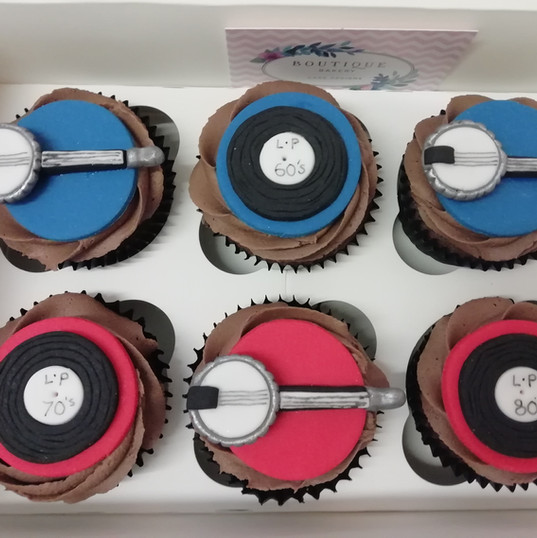 Banjo & vinyl records cupcakes