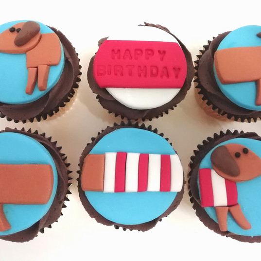 Sausage dog cupcakes