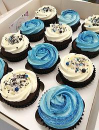 Blue swril cupcakes