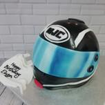 3D crash helmet cake