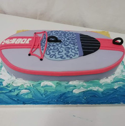 3D paddle board cake