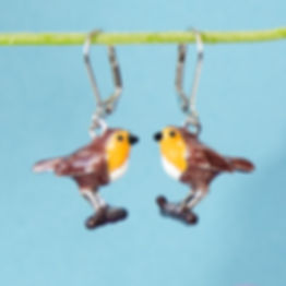 Pair of earrings with enamelled Robin charms