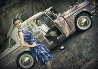 Vintage car pre-wedding shoot