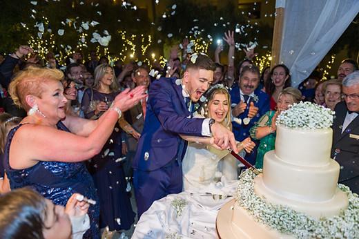 Cutting cake Malta