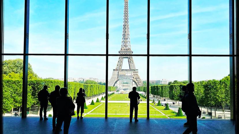 Autour du Grand Palais Ephémère