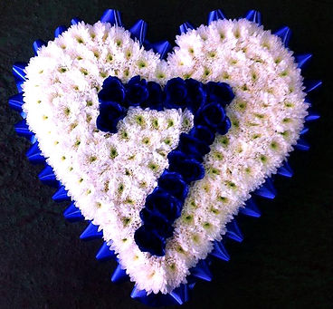 Heart wreath with numeral seven