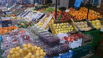Fruit & Veg end stall fruit display