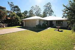 Flooded Gum Dr SOld by Paul Bielby