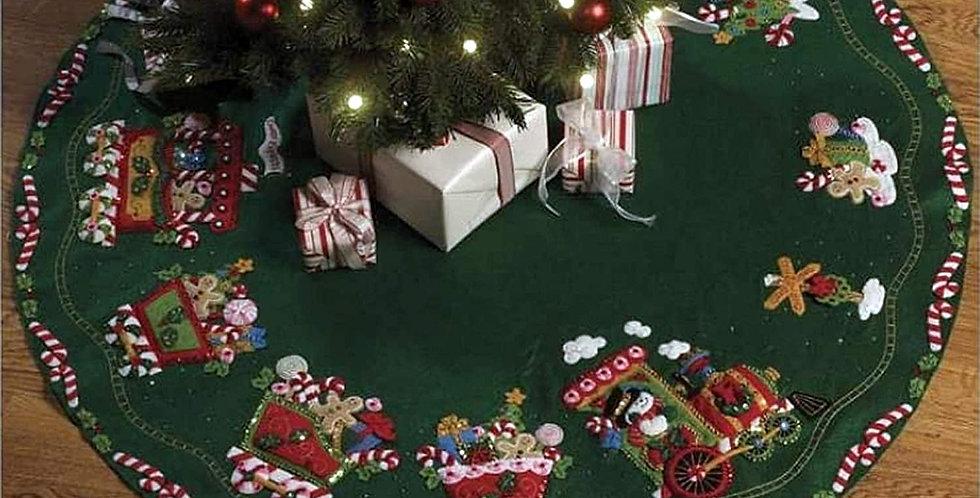FINISHED Bucilla CANDY EXPRESS Train Felt Christmas Tree Skirt Kit #8615