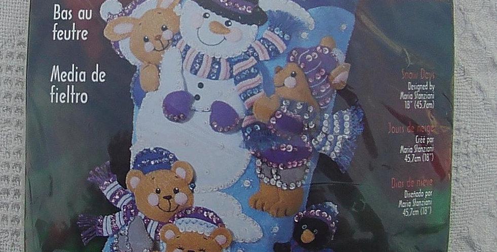 "Vintage Bucilla Christmas Snow Days Kit 18"" #84590"
