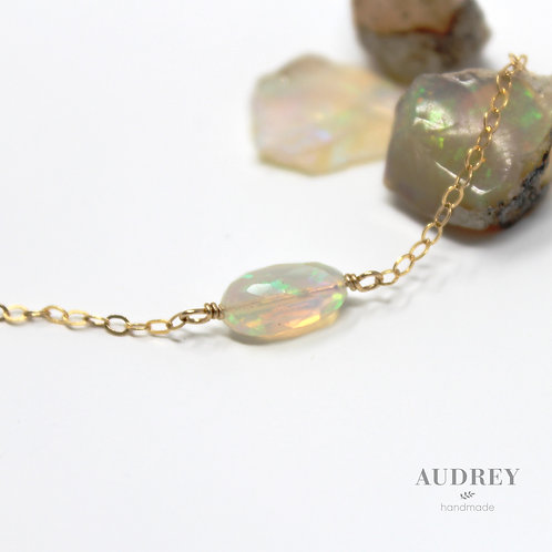 High Quality Natural Opal Necklaces