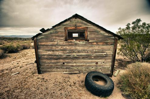 tire-house-lr-DSC_9367_HDR.jpg
