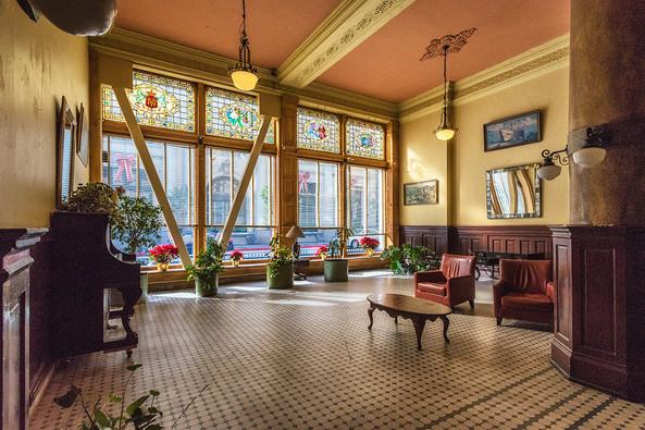 Barclay Hotel - CBRE