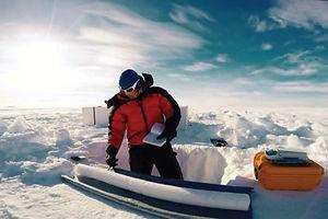 2019-01-03-taking-ice-core-sample-400x26