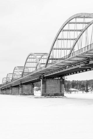 29. Svartvit Bergnäsbro