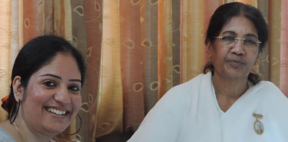 B.K. Sarlaben, Cente Head, Brahma Kumaris – Hyderabad and National P.R.O. Brahma Kumaris blessing Mrs. Aditi Gaur, Editor , Blub World
