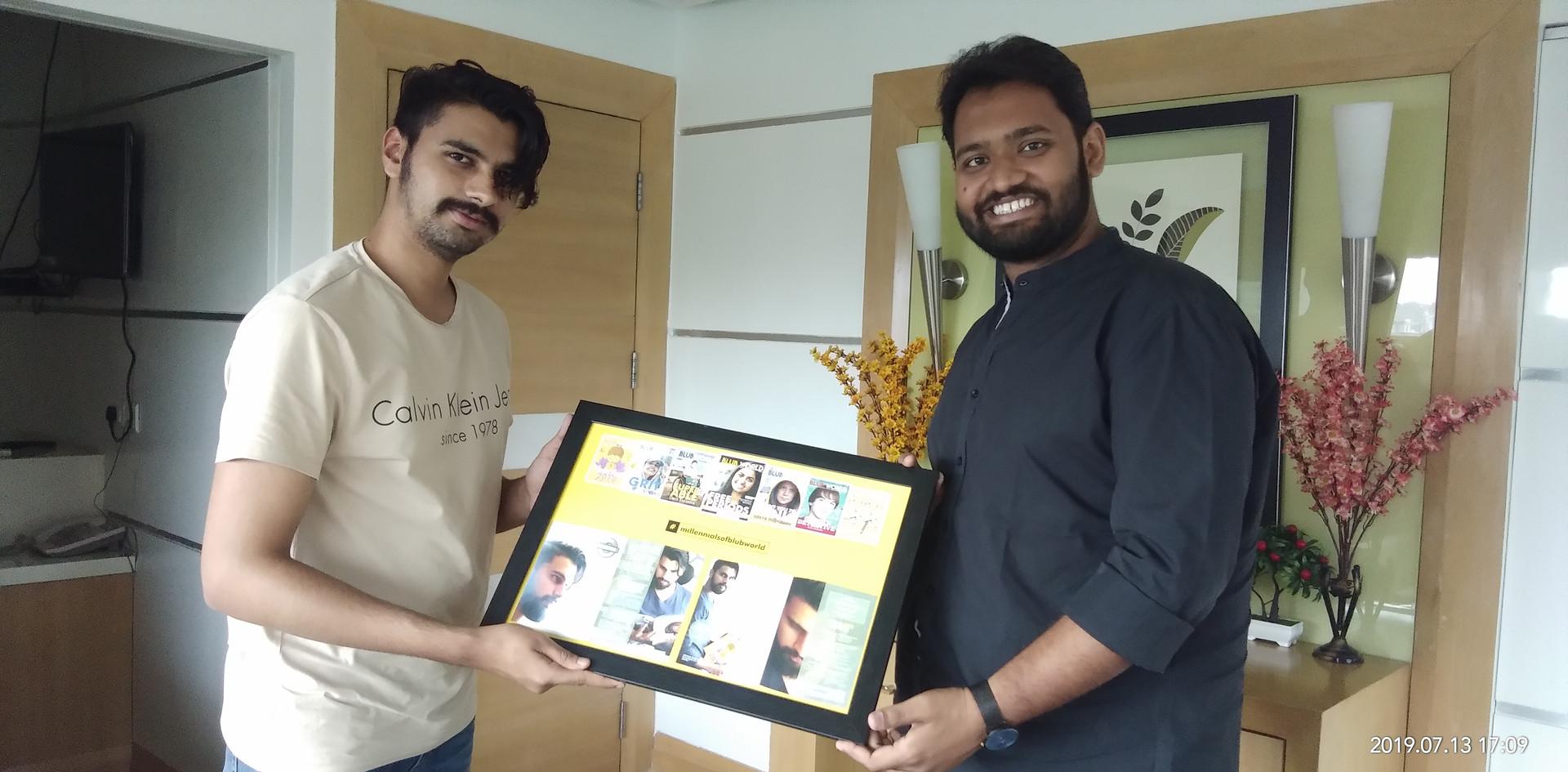 Mr. Mantraj Paliwal, Vice Chairman, Miraj Group receiving Blub World Frame from Mr. Daksh Gaur