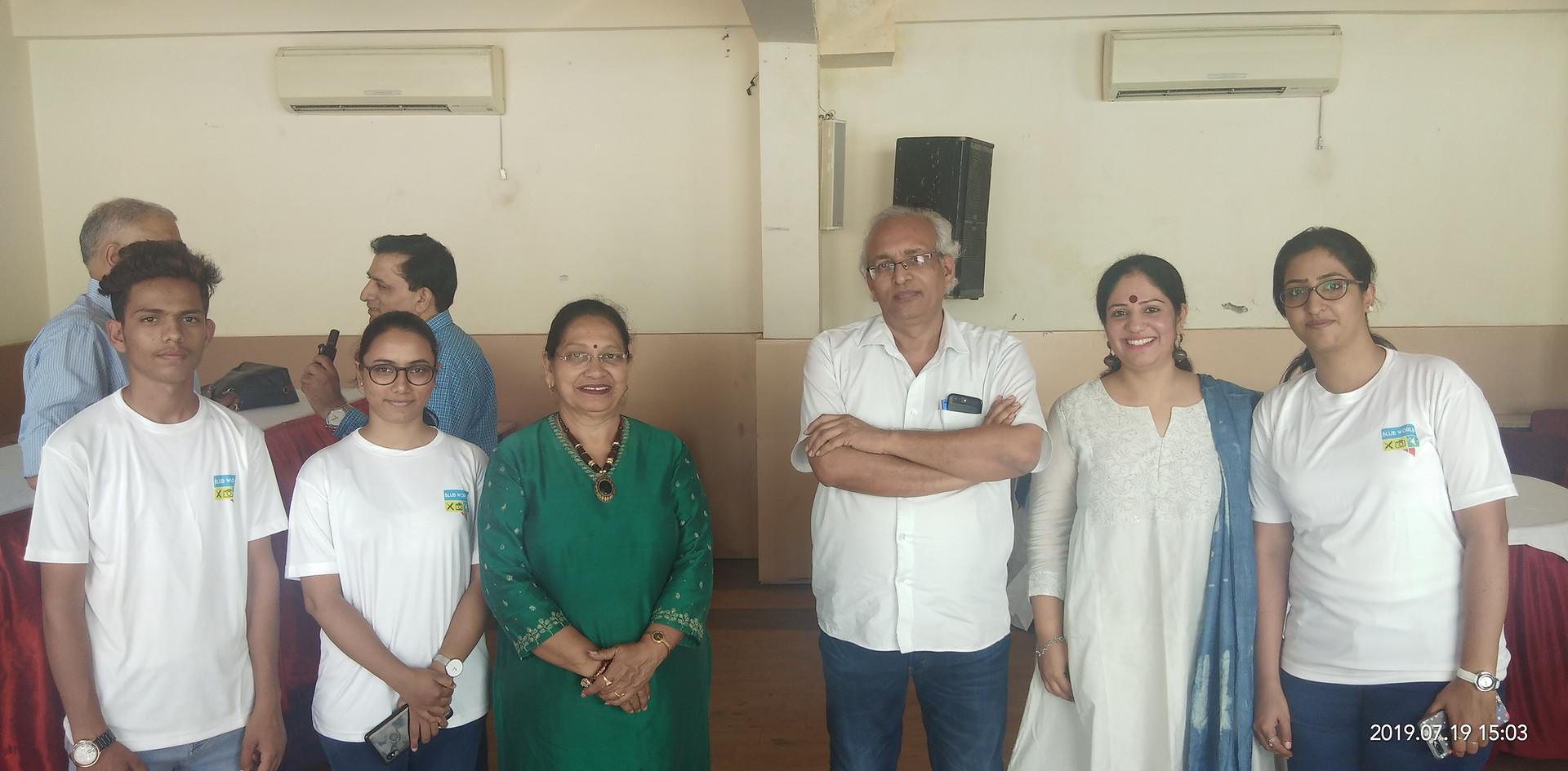 Mr. Tribhuvan Ji, Editor, Dainik Bhaskar, Rajasthan, with Mrs. Aditi Gaur, Founder, Mrs. Veena Gaur, Chairperson, Blub World and its team