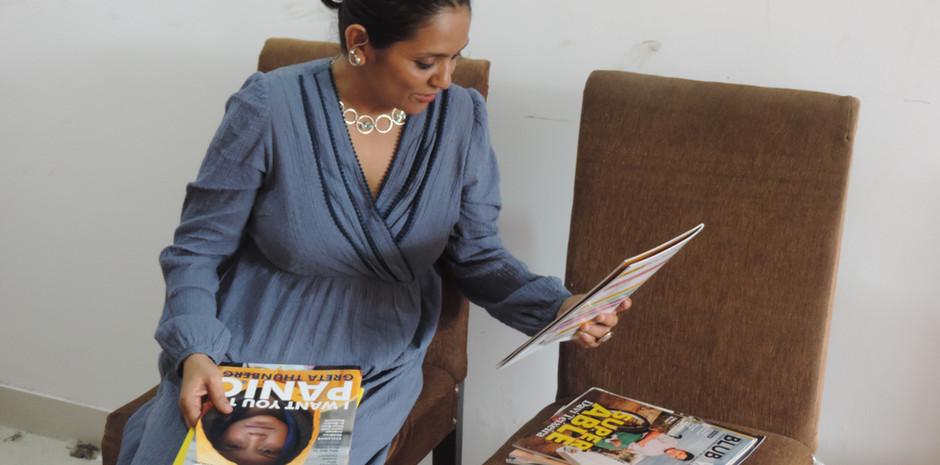 Ms. Rupa Jha - Head of Indian Languages, BBC World Service scrolling through Blub World Magazine