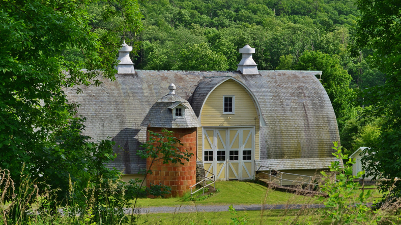 Hunter Farm barn