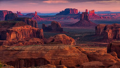 Home to the Grand Canyon and truly iconic Wild West scenery, Arizona offers some of the most awe-inspiring scenery on the planet. From awesome natural wonders to culinary treats, there are some truly breath-taking moments to be had in the Grand Canyon State.