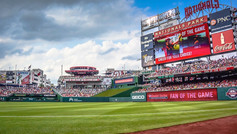 Get a true taste of the nation's sporting spirit with a visit to National's Park. Home to the Washington Nationals, this is one of the finest baseball stadiums in the US. While you're cheering on the Nats, you can enjoy a variety of food and drinks. From juicy burgers from the Shake Shack, craft beers and inspired cocktails made by DC Distilleries, legendary chilli dogs from Ben's Chili Bowl and more…