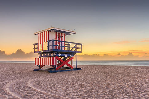Miami-Beach,-Florida,-USA-sunrise-and-li