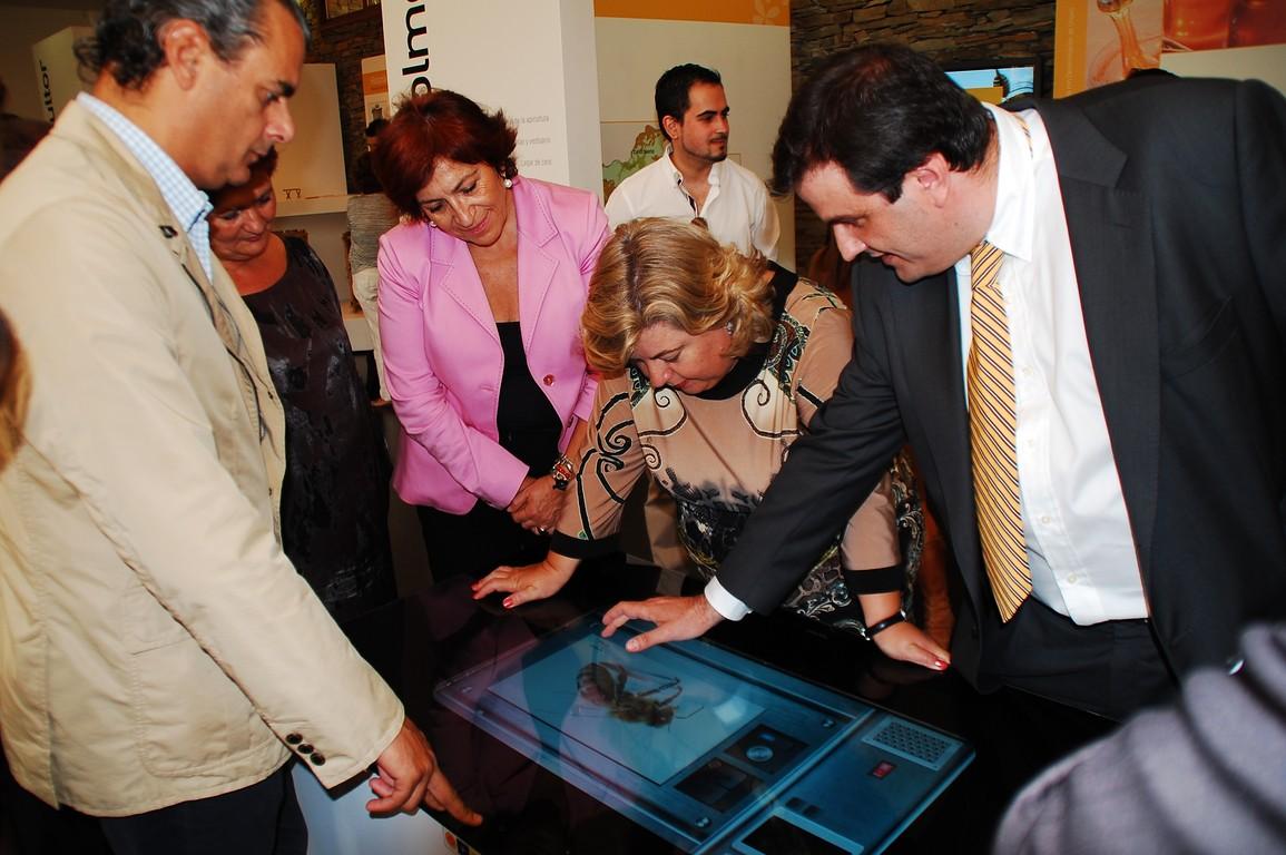Inauguración por Dª Clara Aguilera