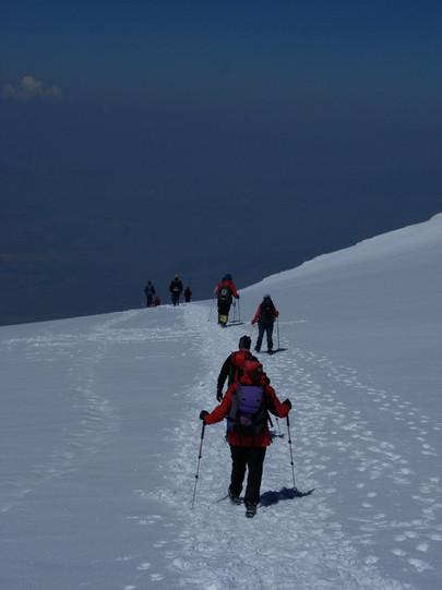 Abstieg vom Gipfel des Ararat