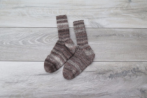 Hand knitted woolly socks brown size 5-8