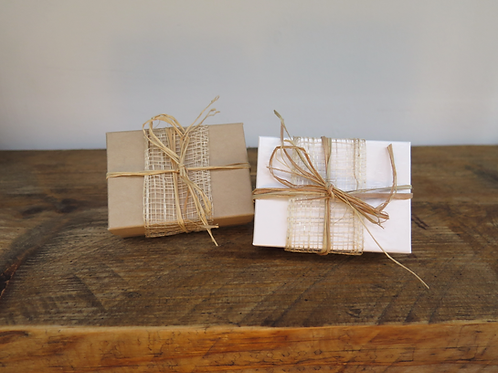 Jewellery box - raffia ribbon