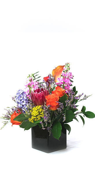 flower-arrangement-protea-rose-in-vase
