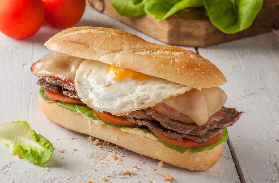 URUGUAYAN STEAK SANDWICH