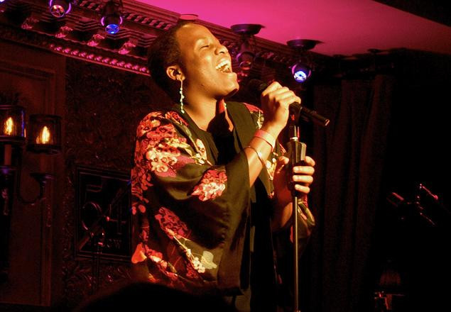 Anastacia sings at 'Backstage' at 54 Below