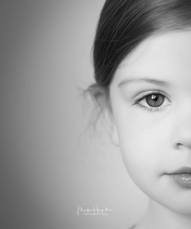 Emilia, Sisters