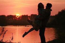 couple-915992_1280.jpg