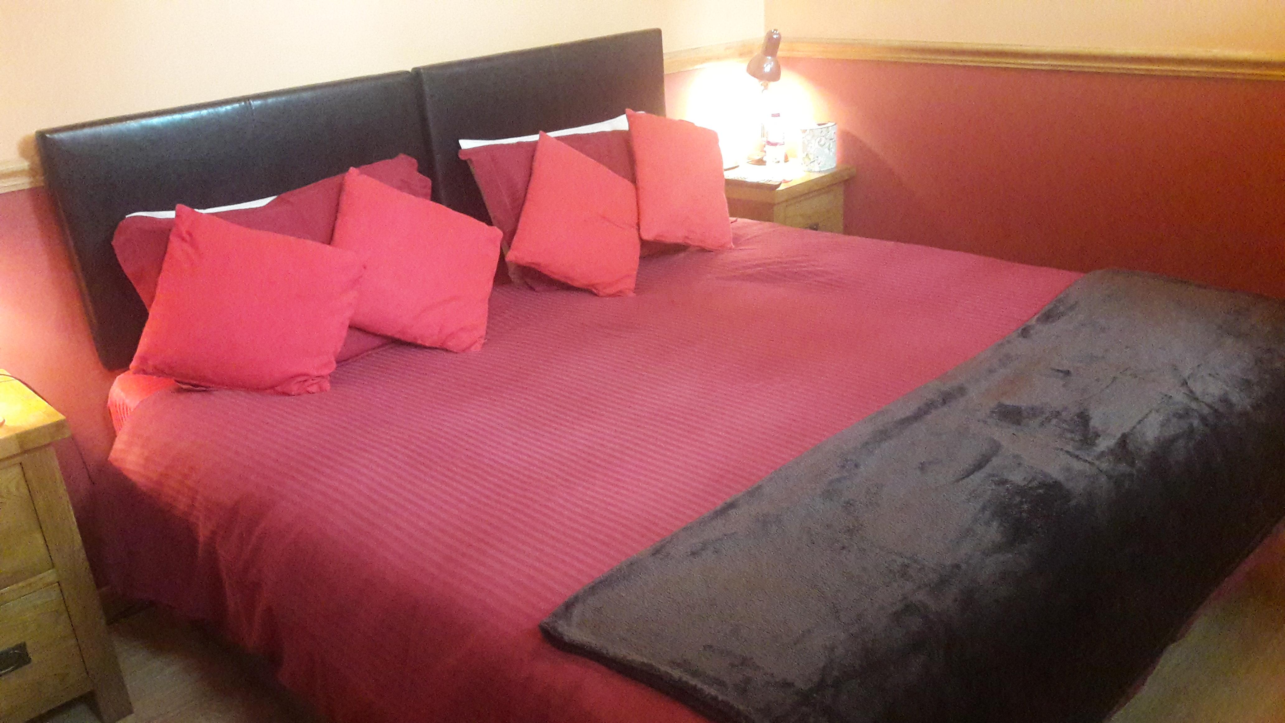 Oak bedroom 2