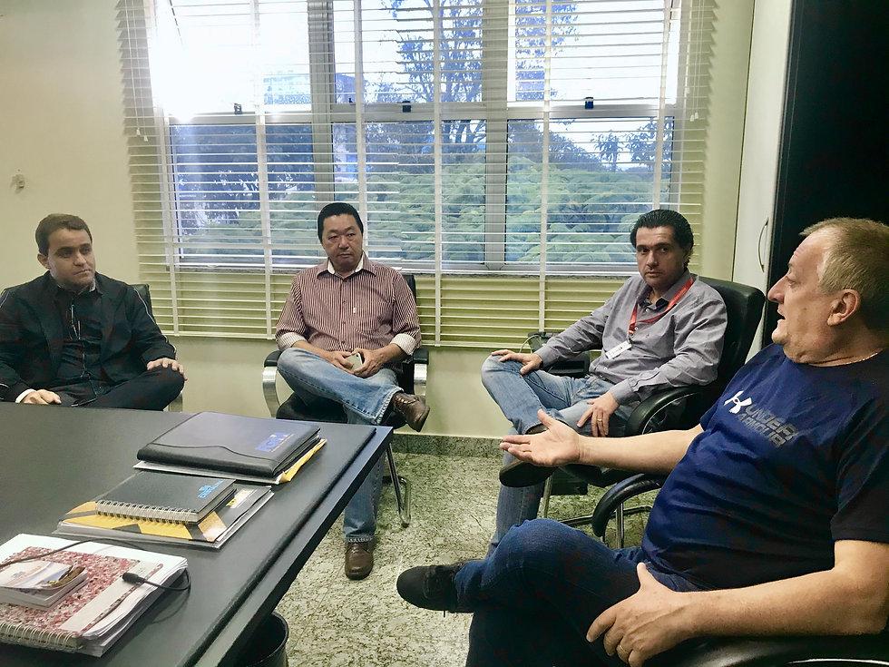 Após reunião com governador Caiado, prefeito discute próximos passos com lideranças