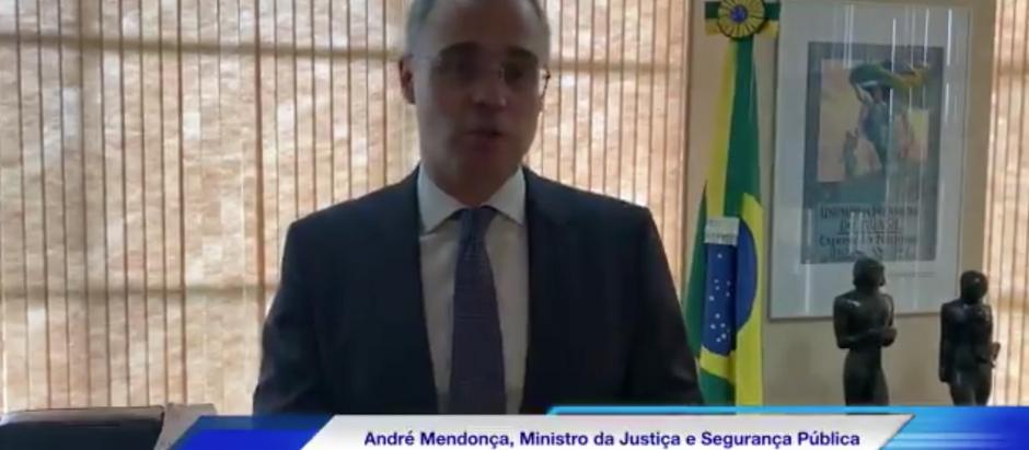 Ministro da Justiça André Mendonça homenageia profissionais da Segurança Pública