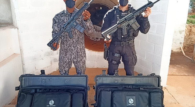 PMDF recebe fuzis importados para o emprego das tropas do Comando de Missões Especiais (CME)
