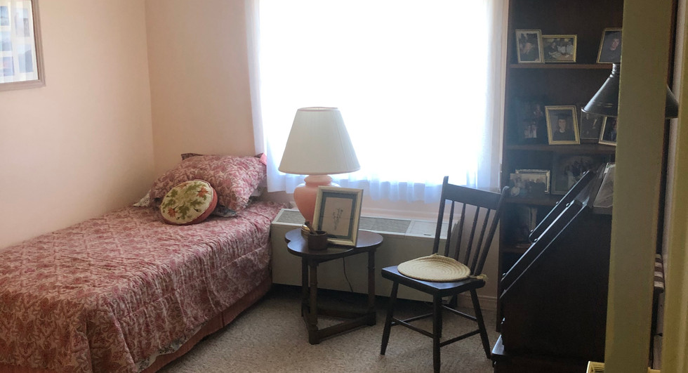 Guest room 2 bedroom apartment.jpg