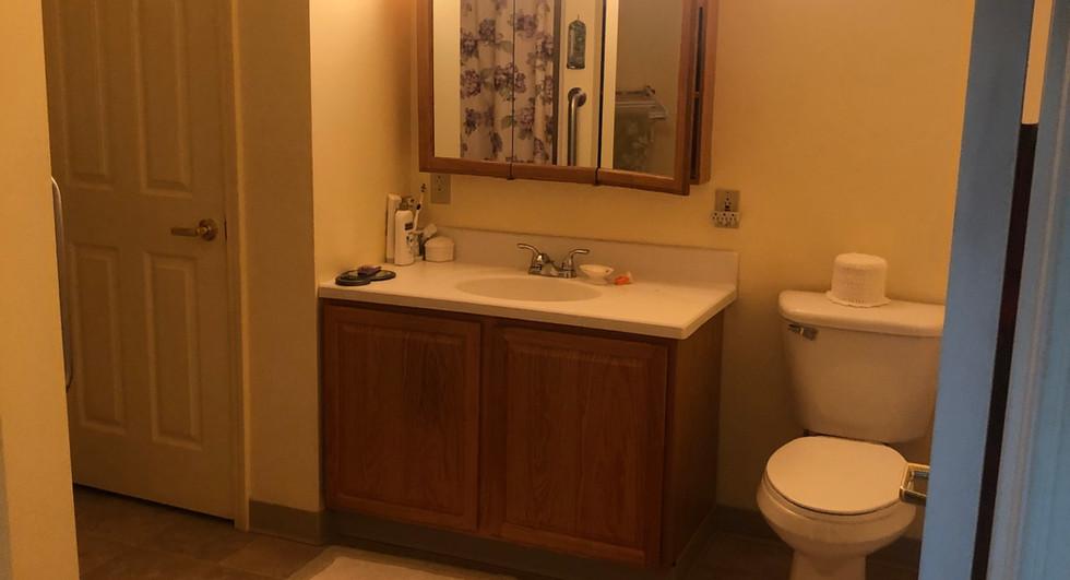 Bathroom 2 bedroom apartment vanity view