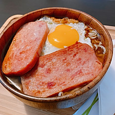 Ham and egg ramen 餐蛋麵