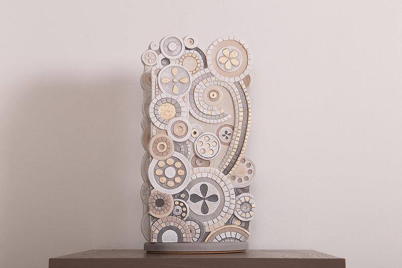 """Fuori Catalogo """"Eclettica"""": scultura luminosa L 24 cm I H 46 cm I P 16 cm"""