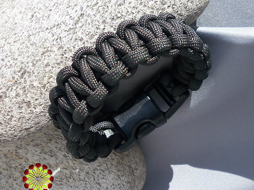 Mens Survivalist Paracord Bracelet Blk