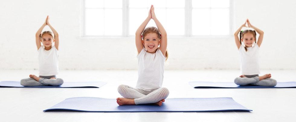 dreamstime_kids-yoga_modifié.jpg
