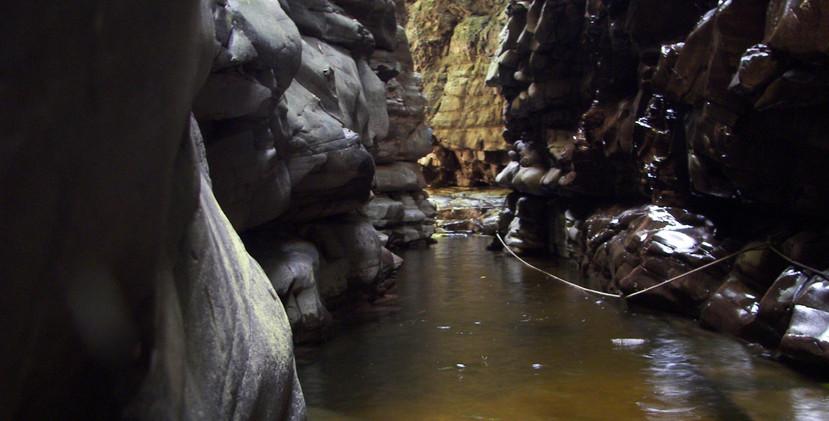 entrance Kavac cave.JPG