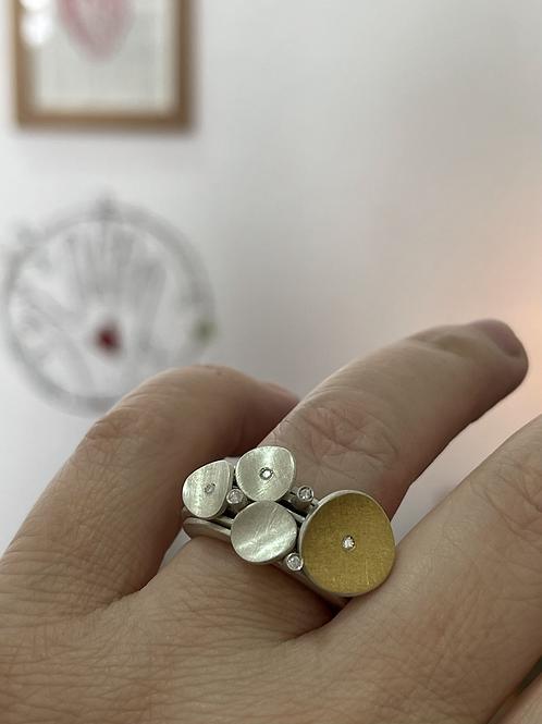 Anel Sole com diamante + Anel Pétalas mini + Anel Dia