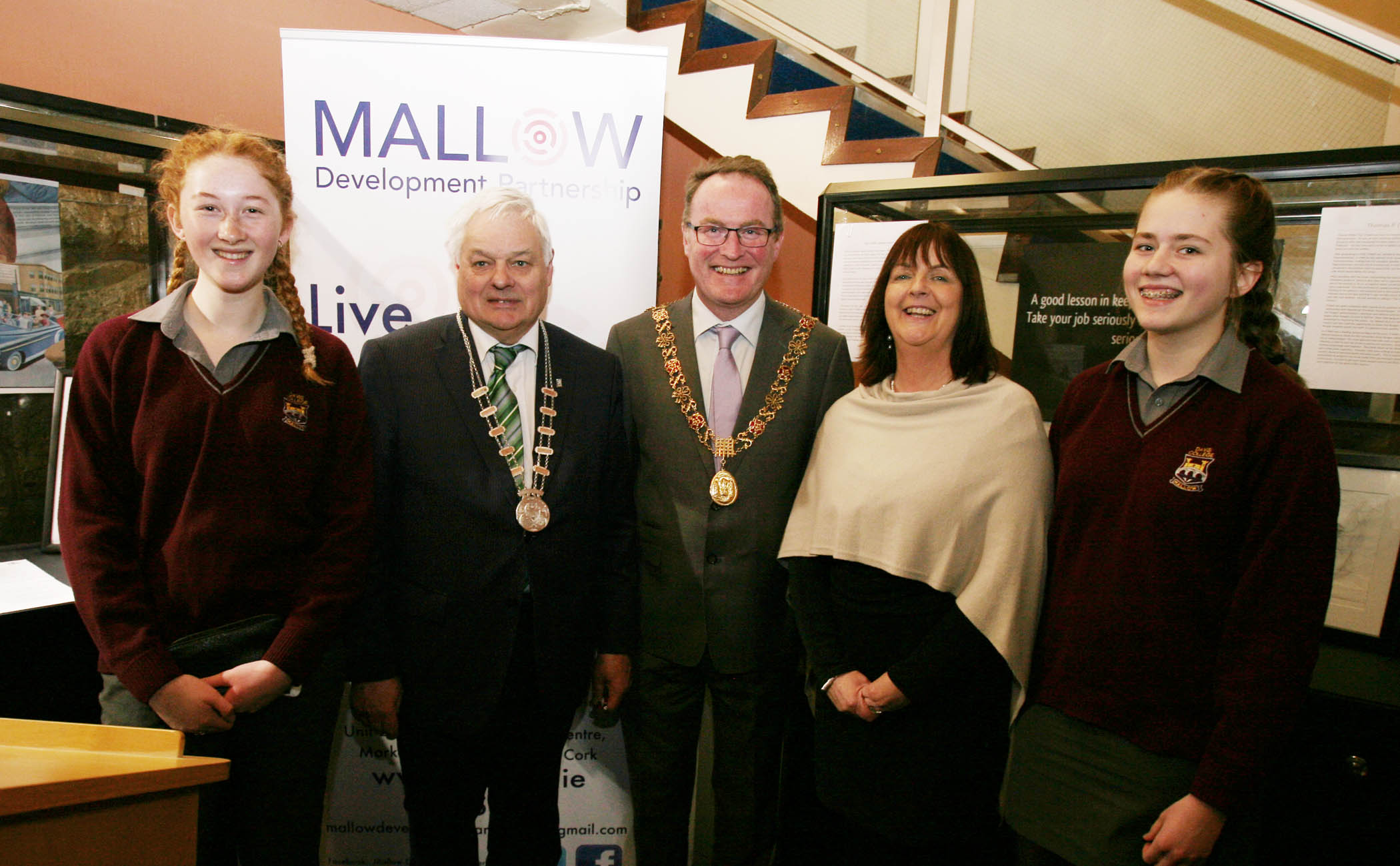 06 Deputy & Lord Mayors Frank O'Flynn & Des Cahill with Carmel Staunton of Davis College and student